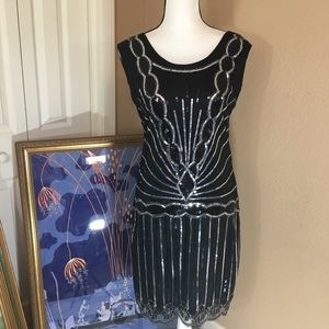 Medium sized 20's style dress sequin flapper style